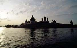 volga-river-cathedral-487986-xl