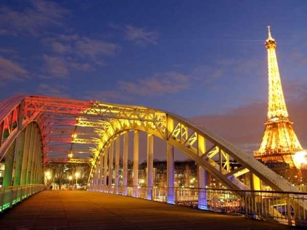 Тот Париж