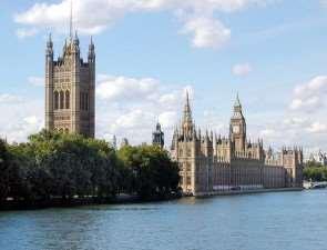 Лондон сотрясают