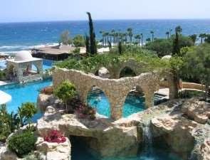 Чем привлекателен отдых на Кипре?