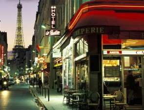 Как провести незабываемый вечер в Париже?