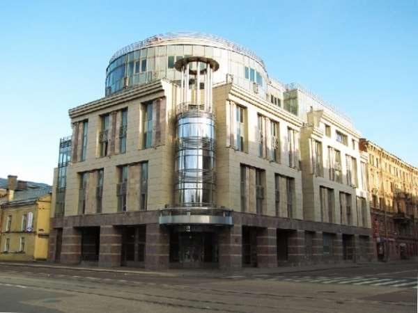 Забронировать гостиницу в городе на Неве