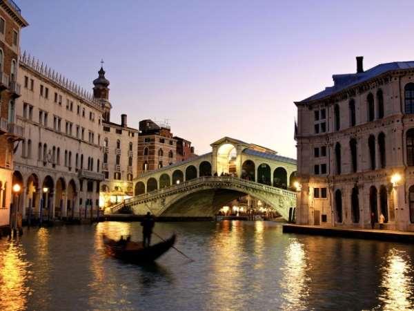 Романтическая атмосфера Венеции