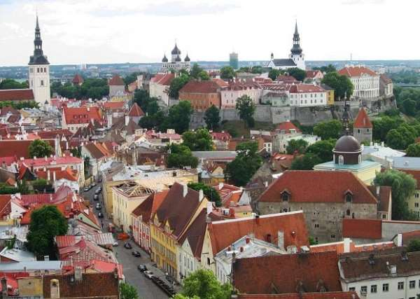 Прогулка по средневековым улочкам Таллинна