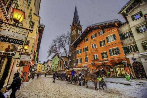 Китцбюэль - один из самых популярных альпийских зимних курортов