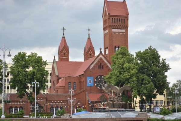 Костел Святых Симеона и Елены в Минске