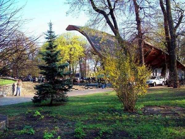 Заложен в 1874 году по проекту садовода ог недзельського первое подходящее место для посещения - мариинский парк
