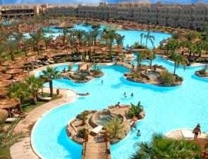 Почему многие туристы предпочитают отдых в Египте