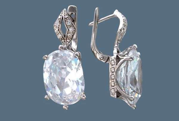 Современные и стильные женщины выбирают серебряные серьги