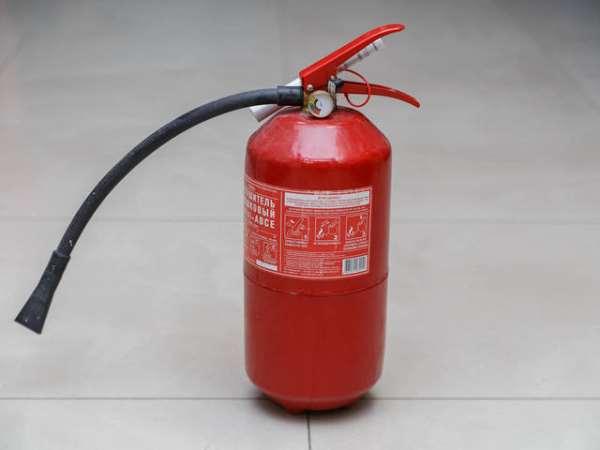 Огнетушитель порошковый ОП-4 как эффективное средство против возгораний