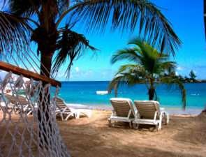 Пляжный отдых в мае – куда лучше всего отправиться?