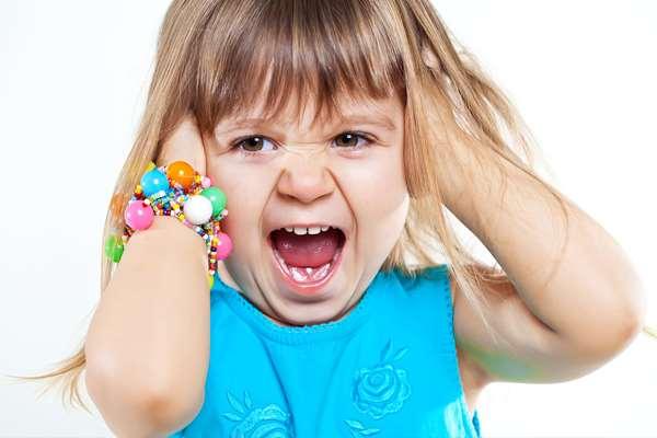 Истерика у ребенка: как вести себя родителям?