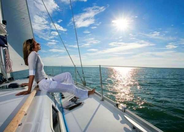 Сотрудничество с лучшей туристической компанией Бердянска позволит вам отправиться в увлекательное путешествие