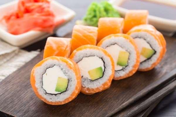 Роллы: что нужно знать об этом японском блюде?