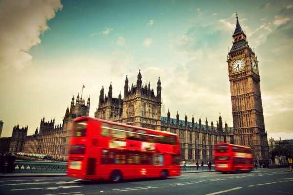 Кому необходимо оформлять туристическую визу в Англию?