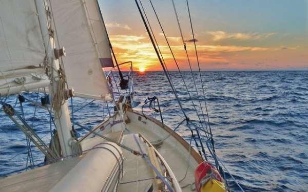 """Профессиональные инструкторы """"СпортФлот"""" научат каждого управлять яхтой"""