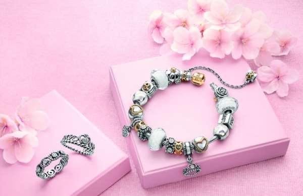 Разнообразие роскошных браслетов Пандора
