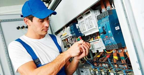 Как найти хорошего электрика в Санкт-Петербурге?