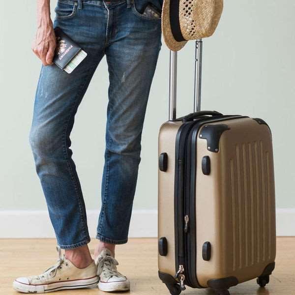 Выбираем чемодан по типу материала его изготовления