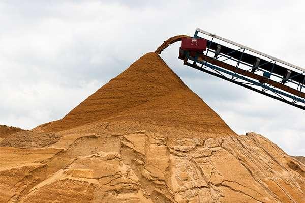 Карьерный и речной строительный песок – главные отличия