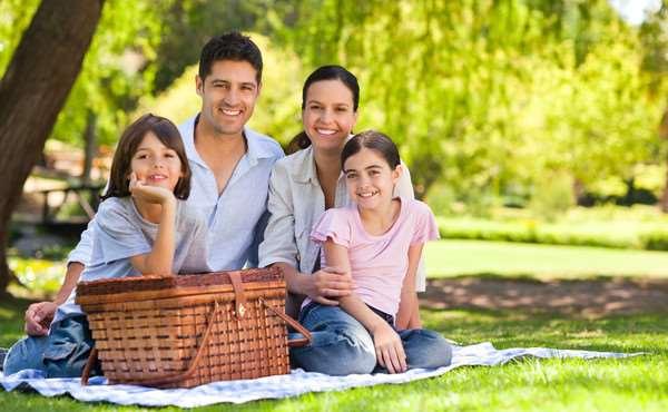 Пикник на свежем воздухе — прекрасное времяпровождение с близкими