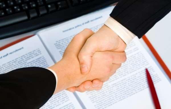 Какие процедуры контролирует таможенный представитель?