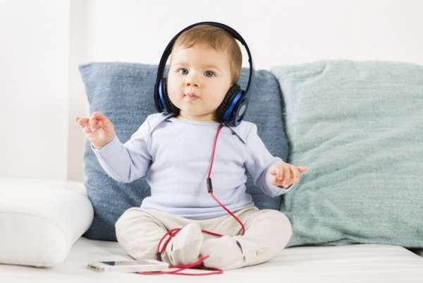 Какая музыка полезна для новорожденных
