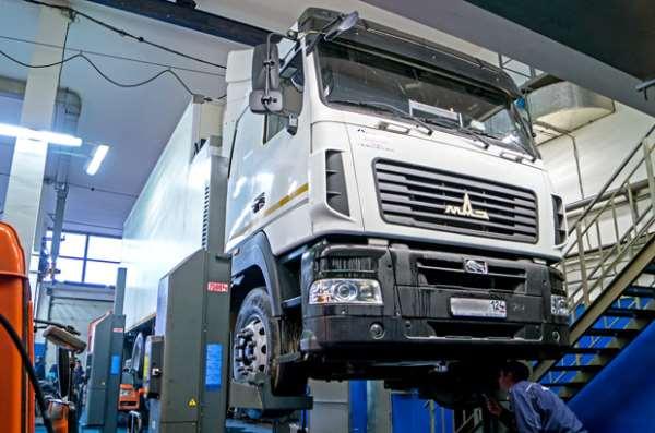Кому стоит доверить ремонт грузовика
