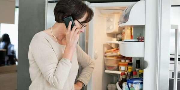 Холодильник не морозит при работающей морозилке: что делать?