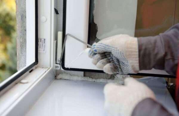 Оперативный ремонт пластиковых окон в СПб и области