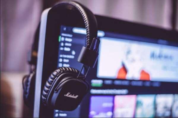 Самые актуальные музыкальные композиции онлайн