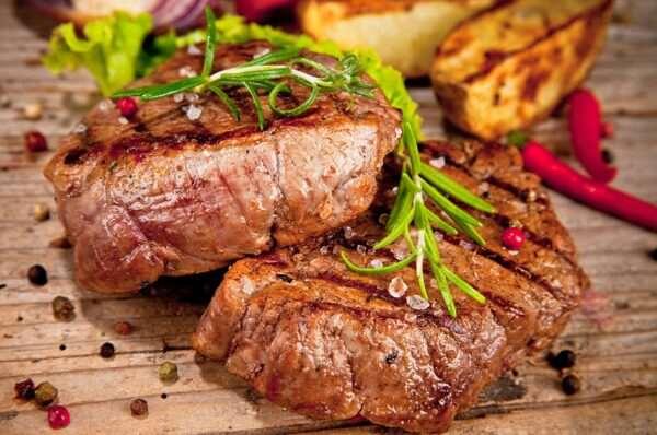 Простой рецепт вкусного и полезного стейка из говядины