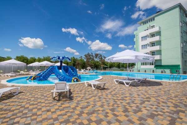 «Лазурный Берег»: парк-отель в Анапе