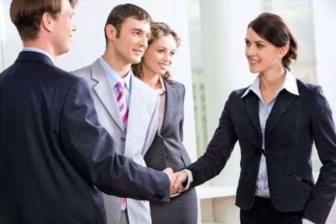 Как правильно преподнести себя в деловом обществе?