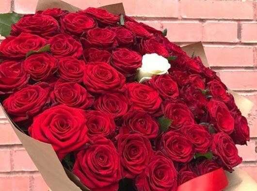По какому поводу можно подарить букет цветов?
