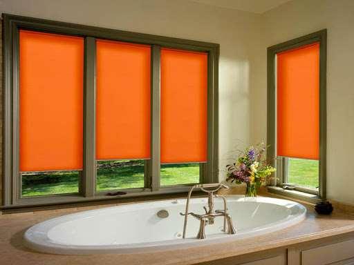 Солнцезащитные современные навесные рулонные шторы