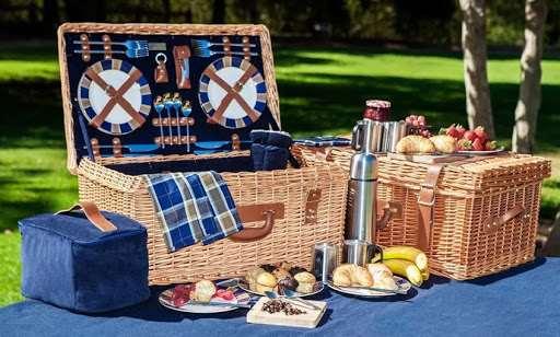 Выбор нужных товаров для пикника