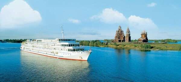 Почему речные туры в России имеют высокую популярность?