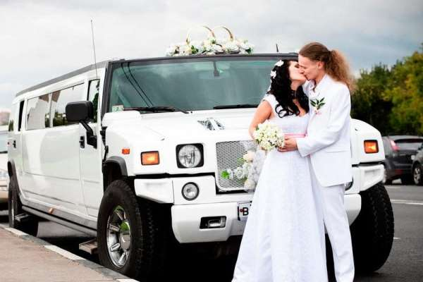 Прокат лимузинов на свадьбу — роскошное событие