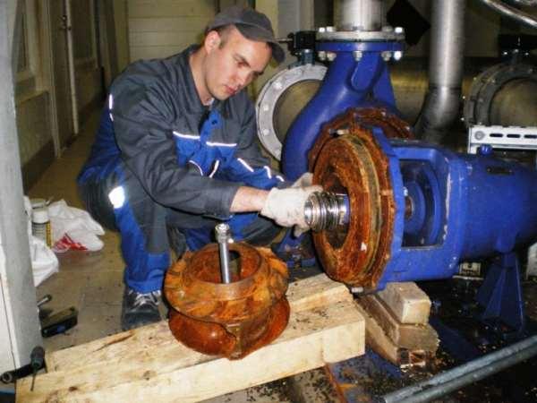 Проведение квалифицированного ремонта насосов