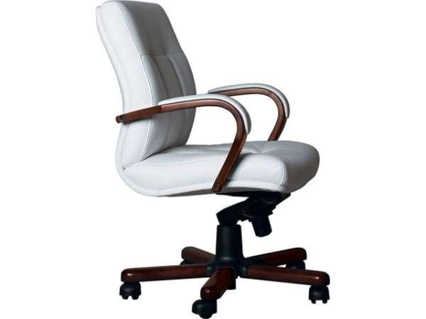 Офисное кресло босса по доступной стоимости
