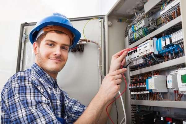Высококвалифицированные услуги электрика в Кирове
