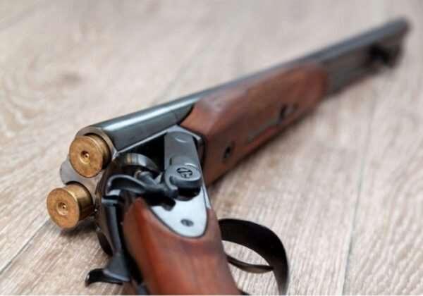 Большой ассортимент оружейных изделий