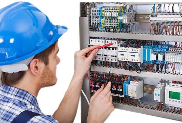 Услуги опытного электрика в Харькове