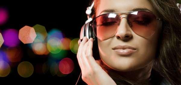 Множество популярных песен на музыкальном портале Uzbek.cc