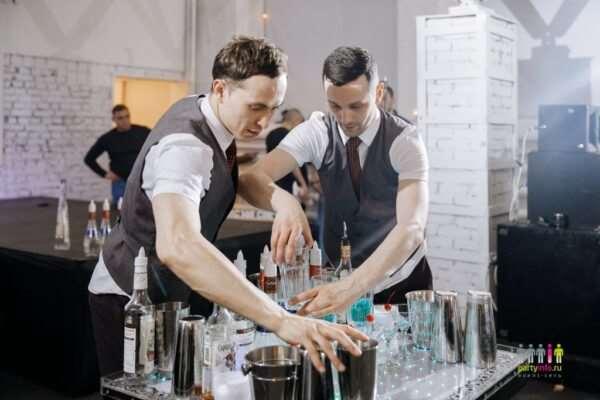 Динамика бармен шоу на разных мероприятиях